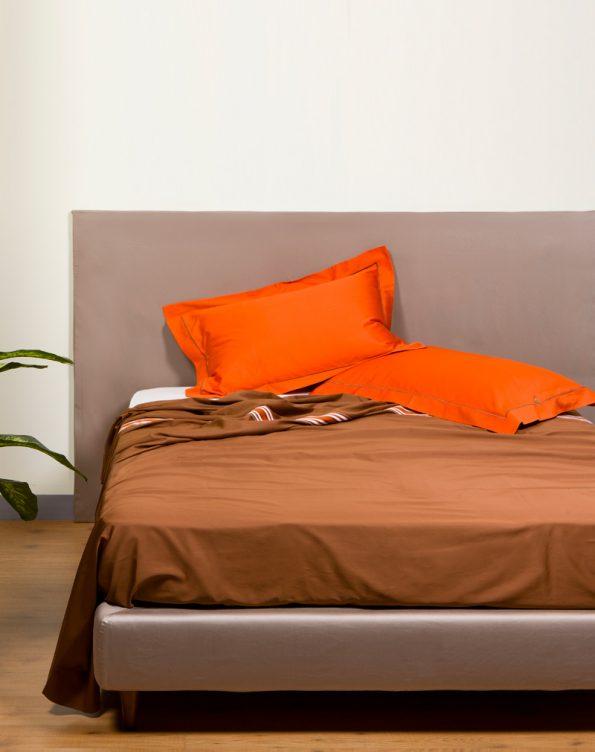 Set marrone e arancione con ricamo